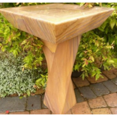 Rainbow SquareTop Birdbath with Twisted Column